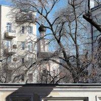 во дворе апрель, звенит капель :: Олег Лукьянов