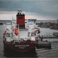 В порту :: alteragen Абанин Г.
