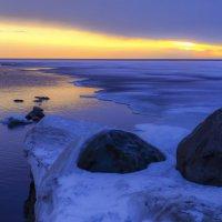 восход солнца на Ладожском озере :: Георгий
