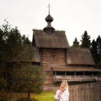 С праздником :: Вилена Романова