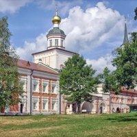 Церковь Михаила Архангела :: Галина Каюмова