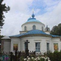 Боголюбская церковь в селе Великом :: Дмитрий Солоненко