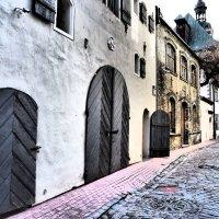 В узких улочках Риги :: Alm Lana