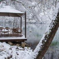 Голубое озеро :: Ирина Шарапова