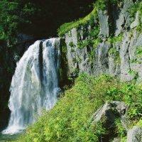 Водопад ручья Спокойного. :: Валерий Давыдов