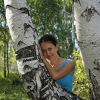 красавица у берёзки :: Александр Иванов