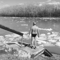 Наблюдаем ледоход 2 :: Валерий Михмель