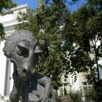 Любимая скульптура студентов :: Vlad Сергиевич