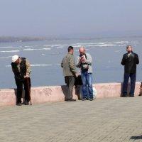 Ледоход на Волге :: Александр Алексеев