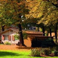 Домик с Окнами в Сад,там где ждёт меня Мама ......... :: Jakob Gardok