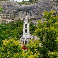 Церковь Успенского пещерного монастыря-Крым :: Наталия Григорьева