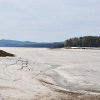 Апрель на Красноярском водохранилище :: Татьяна Соловьева