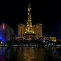 """Вечерний вид отеля «Париж» в Лас Вегасе (Hotel """"Paris Las Vegas"""") :: Юрий Поляков"""