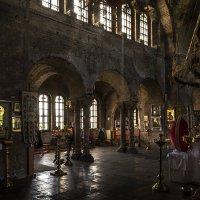 Старая церковь :: Валерий Чернов