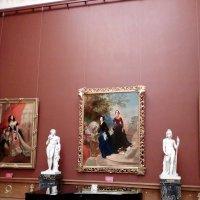 В музее. :: Венера Чуйкова