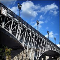 Мост к храму :: Ирина Беркут
