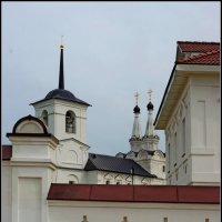 За стеной монастыря :: san05 -  Александр Савицкий