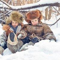 У близнецов и радость, и горе, все вместе. :: Наталья Мячикова
