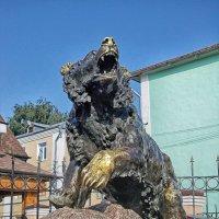Памятник медведю :: Галина Каюмова