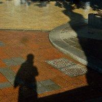 две тени на бульваре - я и Пушкин... :: Александр Корчемный