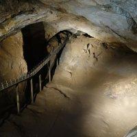Мост в пещере :: Елена