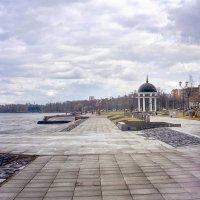 Весенняя набережная :: Юлия Новикова