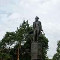 Памятник И.Шишкину. Елабуга. Татарстан :: MILAV V