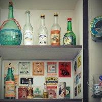 Ностальгическая алкогольная, в музее Тутаева :: Николай Белавин