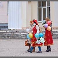 ПЕРВОЕ МАЯ-МАЕВКА. ПЛОЩАДЬ В.И.ЛЕНИНА. :: Юрий Ефимов