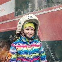 Юный пажарник :: Владимир Головин