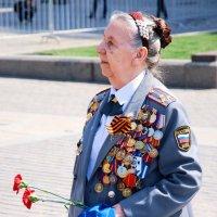 Так мало Вас осталось... ветеранов - Героев тех великих грозных дней!.. :: Арина Невская