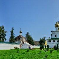 Углич. Воскресенский мужской монастырь. :: Сергей Сёмин