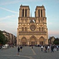 Notre-Dame de Paris :: Roman Ilnytskyi