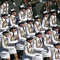Парад в Москве. :: Владимир Драгунский