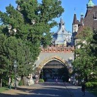 Будапешт. Замок Вайдахуняд :: Татьяна Ларионова