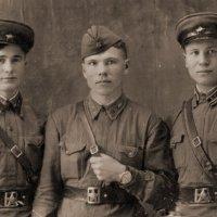 Впереди - фронт. 1942г. :: Наталья Ильина