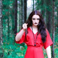 Ведьма в красном :: Юлия Галкина