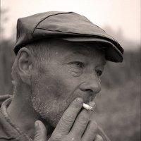 Перекур после тяжёлой работы.*** Smoke break after hard work. :: Александр Борисов