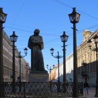 Памятник Гоголю :: Вера Щукина