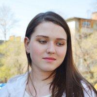 Светлым майским днём... :: Полина Потапова