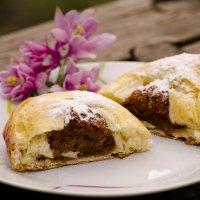 Пирожки-булочки с начинкой из сушеных яблок :: Татьяна Евдокимова