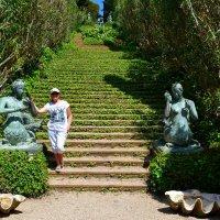 В саду Святой Клотильды :: Лариса