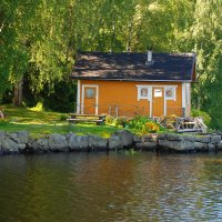 Финский желтый домик у воды :: Николай Танаев