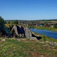 Вид на Чусовую со скалы п. Староуткинск. :: Пётр Сесекин
