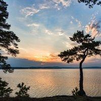 Вечер на озере :: Александр К.
