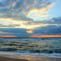 Закат на море. :: Лариса Исаева