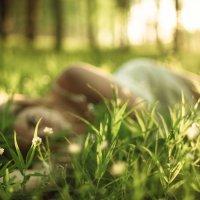 Девушка в лесу :: Max Flynt