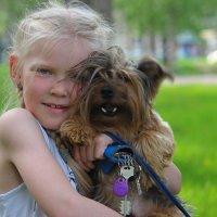девочка с собакой :: люба