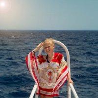 Море, солнце, девочка... Ничего лишнего!!! :: Oksana Likhadziyeuskaya