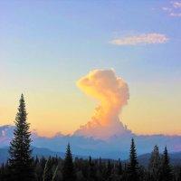 Восстающее облако :: Сергей Чиняев
